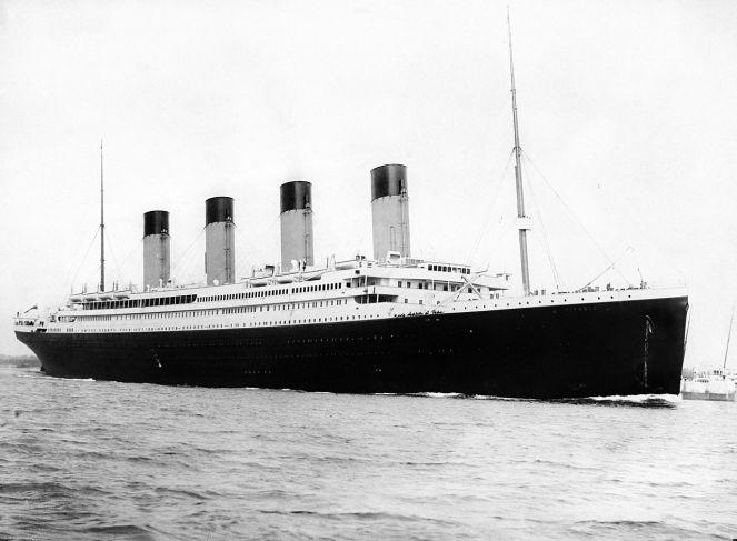1280px-RMS_Titanic_3